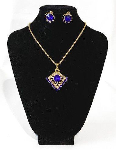 Pendentif doré et Bleu royal