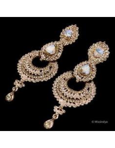 Boucles d'oreilles indienne strass dorée  - 1