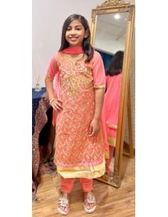Robe indienne fille Salwar Kameez Amrita Corail et doré  - 1