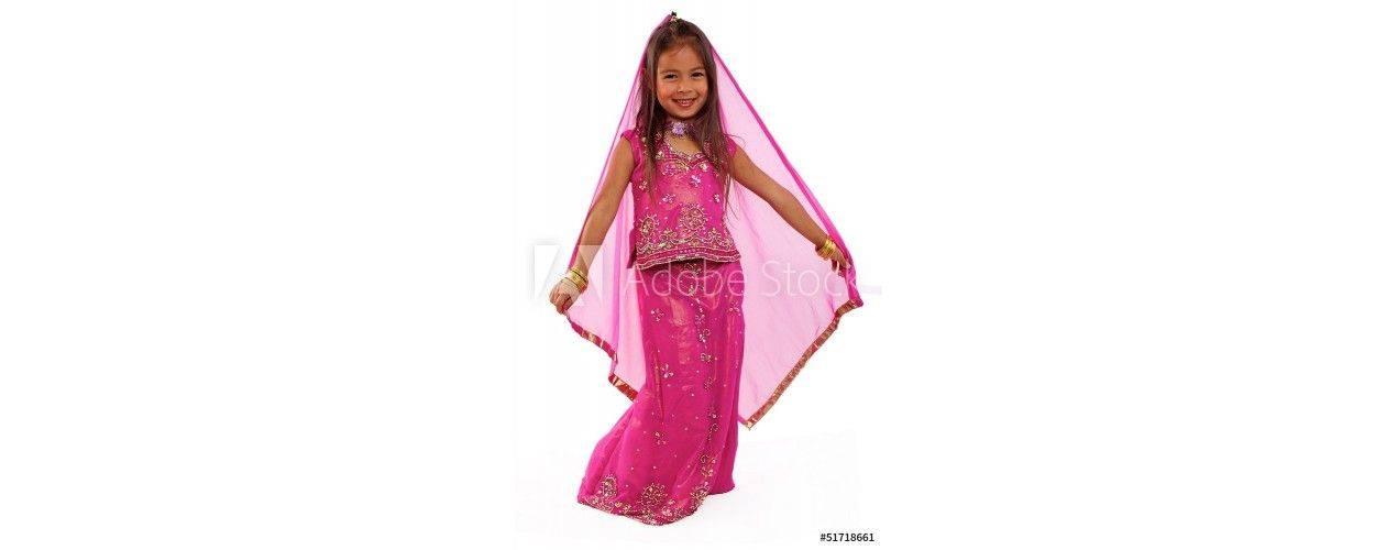 Lehenga choli pour enfant ou petite fille.